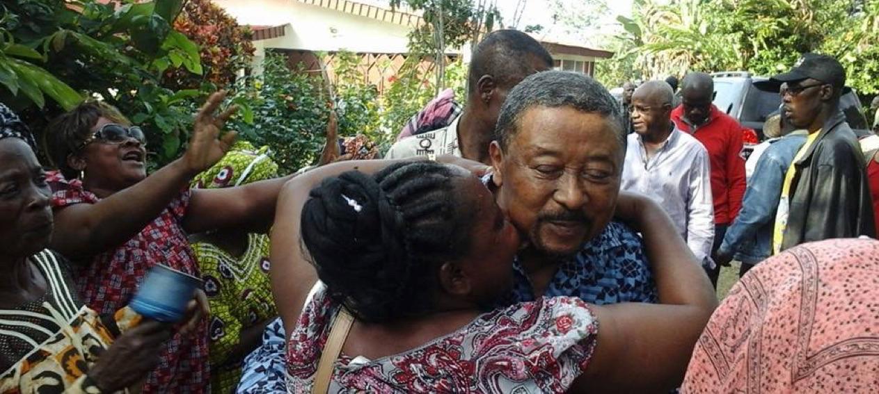 Accueil chaleureux des habitants durant la tournée de Jean PIng dans le Woleu Ntem