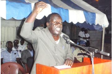 Féfé Onanga, président du MPR, le 24 octobre 2015 à Port-Gentil. © Gabonreview/Louis Mbourou